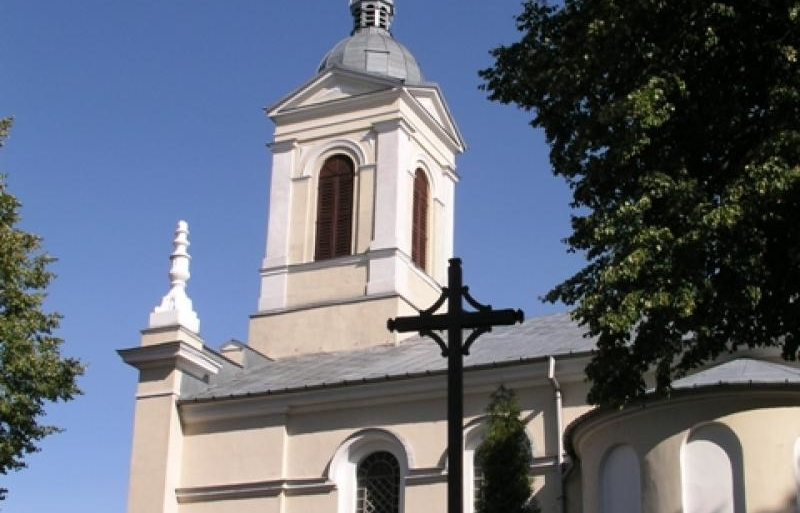 Kościół_w_Mszczonowie.jpg