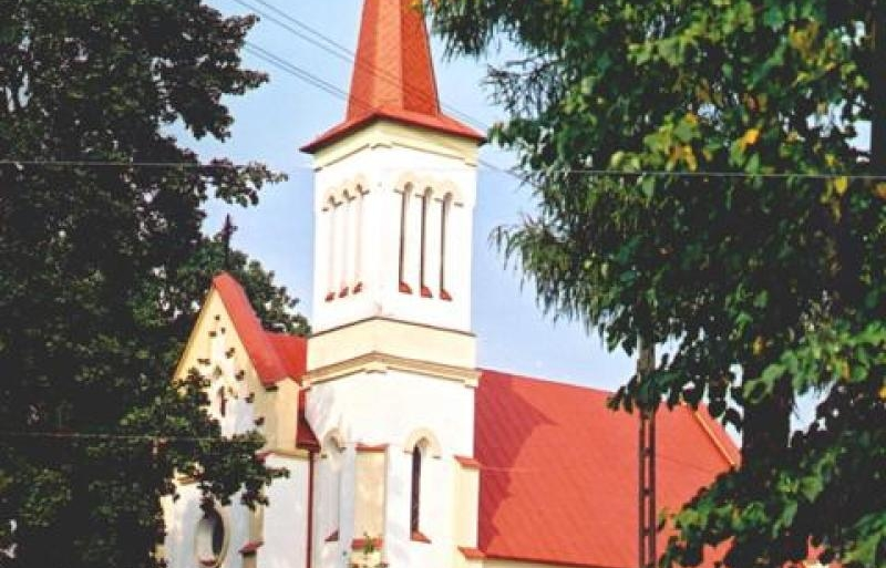 Kościół_w_Osuchowie.jpg