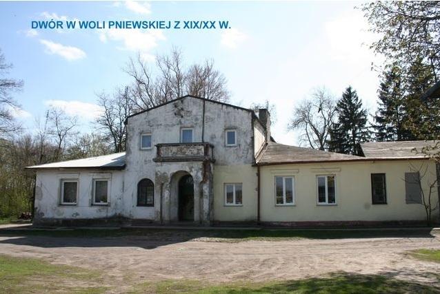 dwor_Wola_Pniewska.jpg